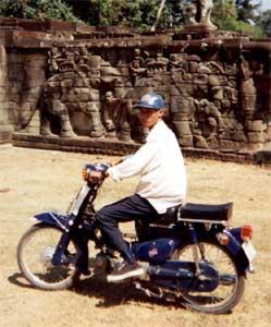 angkor_motorbike