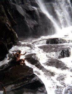 sri_lanka_waterfall2