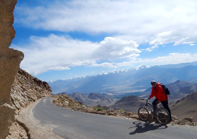 Khardongla Pass mountain bike - 12 of 16