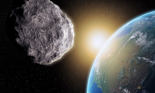 Large-Asteroid-closing-in-009