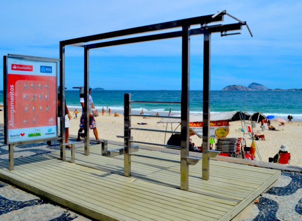 beach fitness station